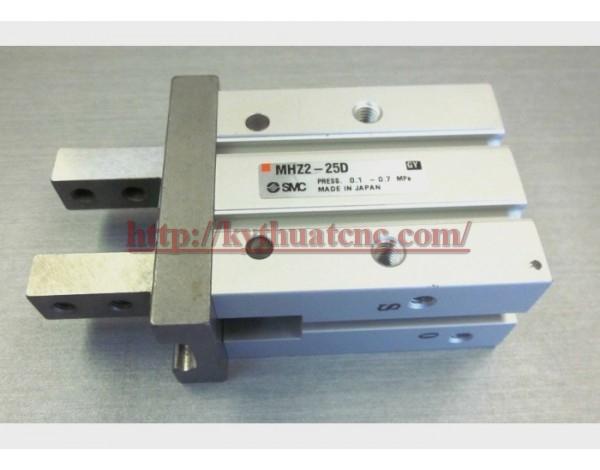 Hãng sản xuất : SMC   Xuất xứ : Japan   Đường kính : 20 mm   Thiết kế : Xi lanh kẹp tay 2 ngón